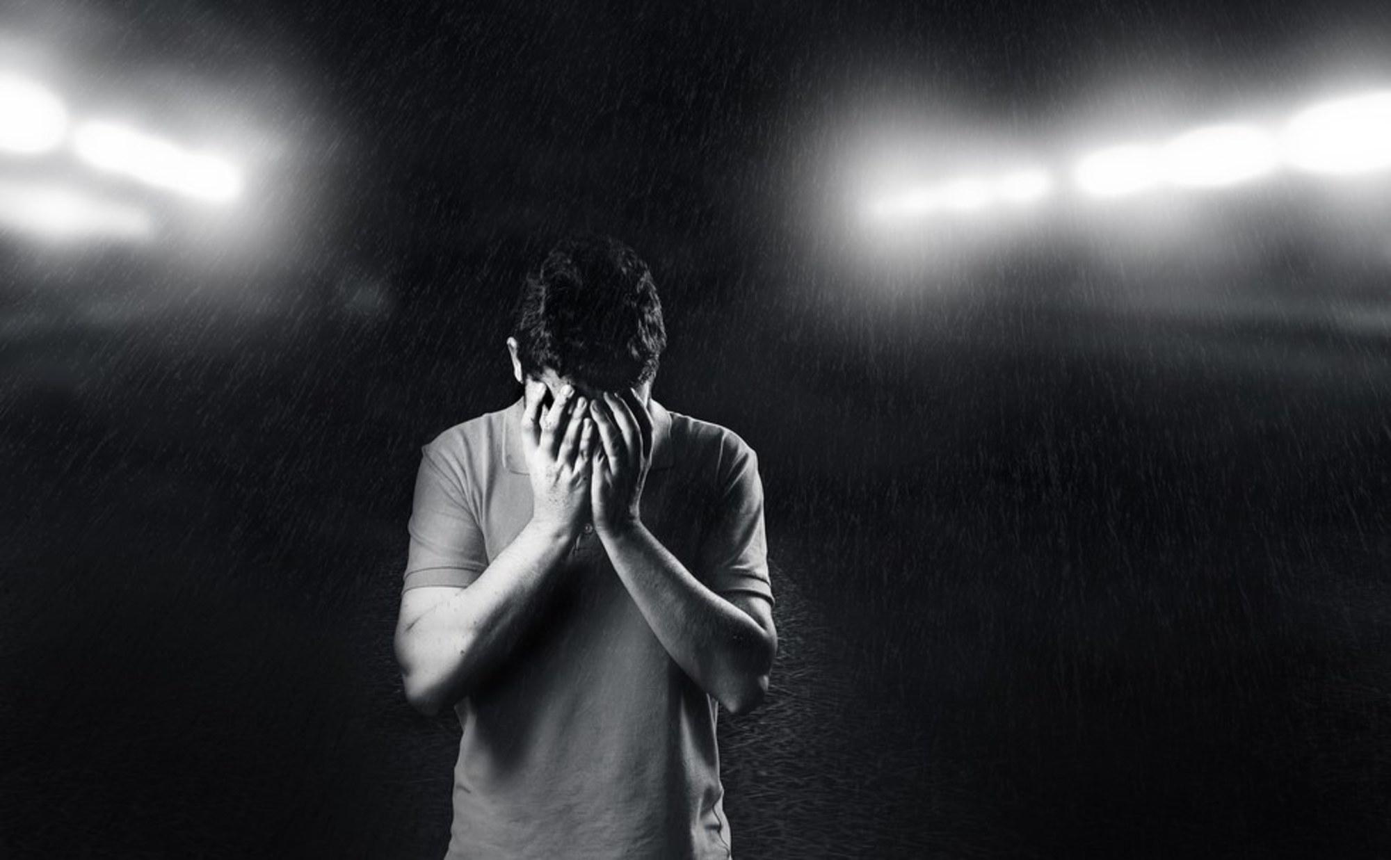 اما واقعاً چه راهکاری برای رهایی از افسردگی وجود دارد؟