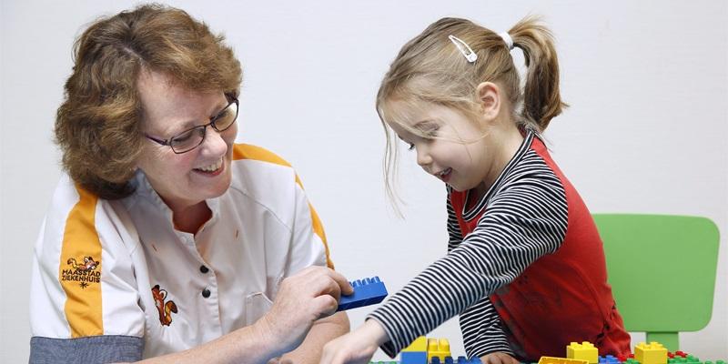 چند بازی ساده با کودک بیش فعال