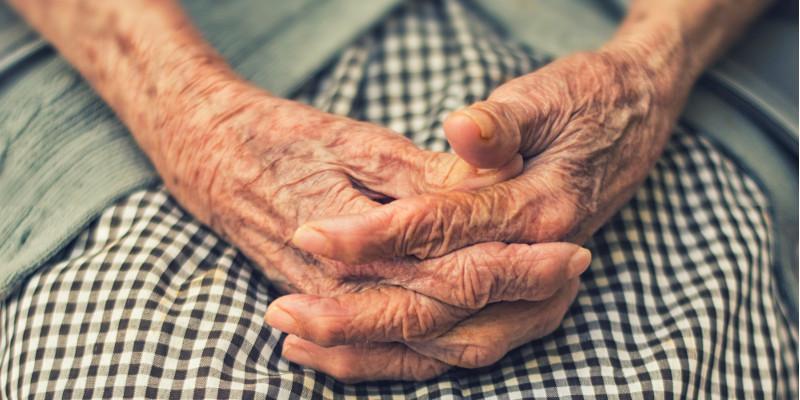 خواص روغن کرچک در مرطوب کردن دست ها