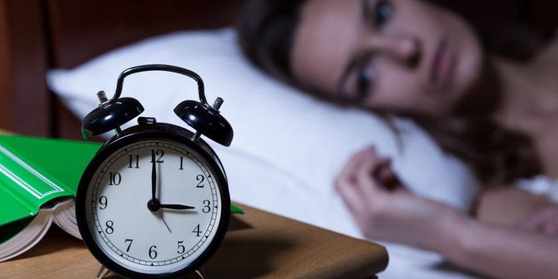 درمان بیخوابی با روغن کرچک