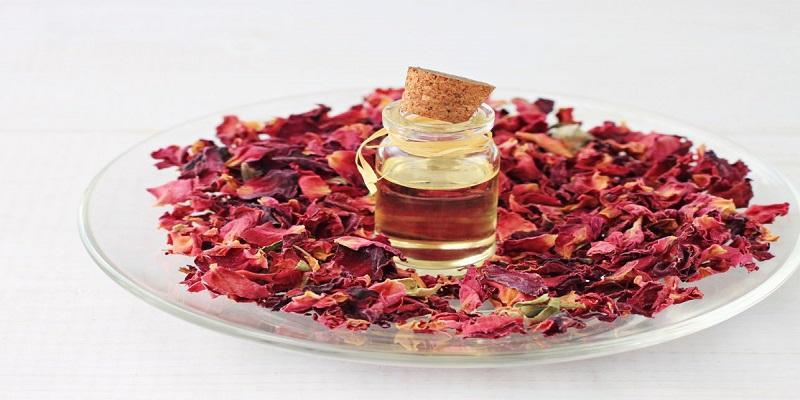 فواید گلاب برای زیبایی پوست