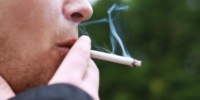 اجتناب از استعمال تنباکو و مصرف الکل و نوشیدنیهای الکلی