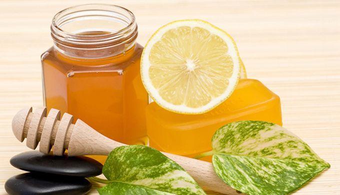درمان سرماخوردگی با عسل و لیمو