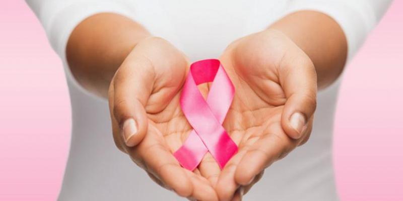 علائم سرطان سینه در خانمها