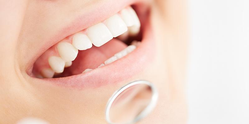عوارض کاشت دندان (ایمپلنت دندان)