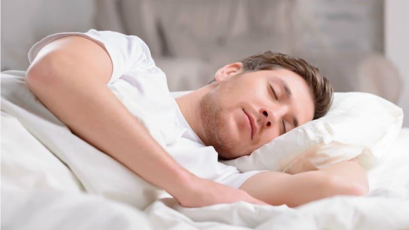 چقدر خواب نياز داريم؟