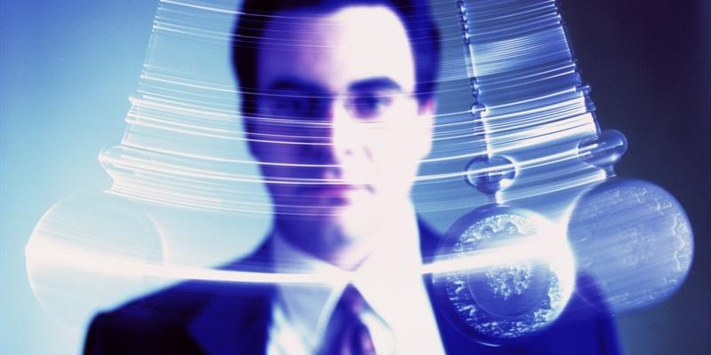 با یک ساعت جیبی میتوان هیپنوتیزم شد؟