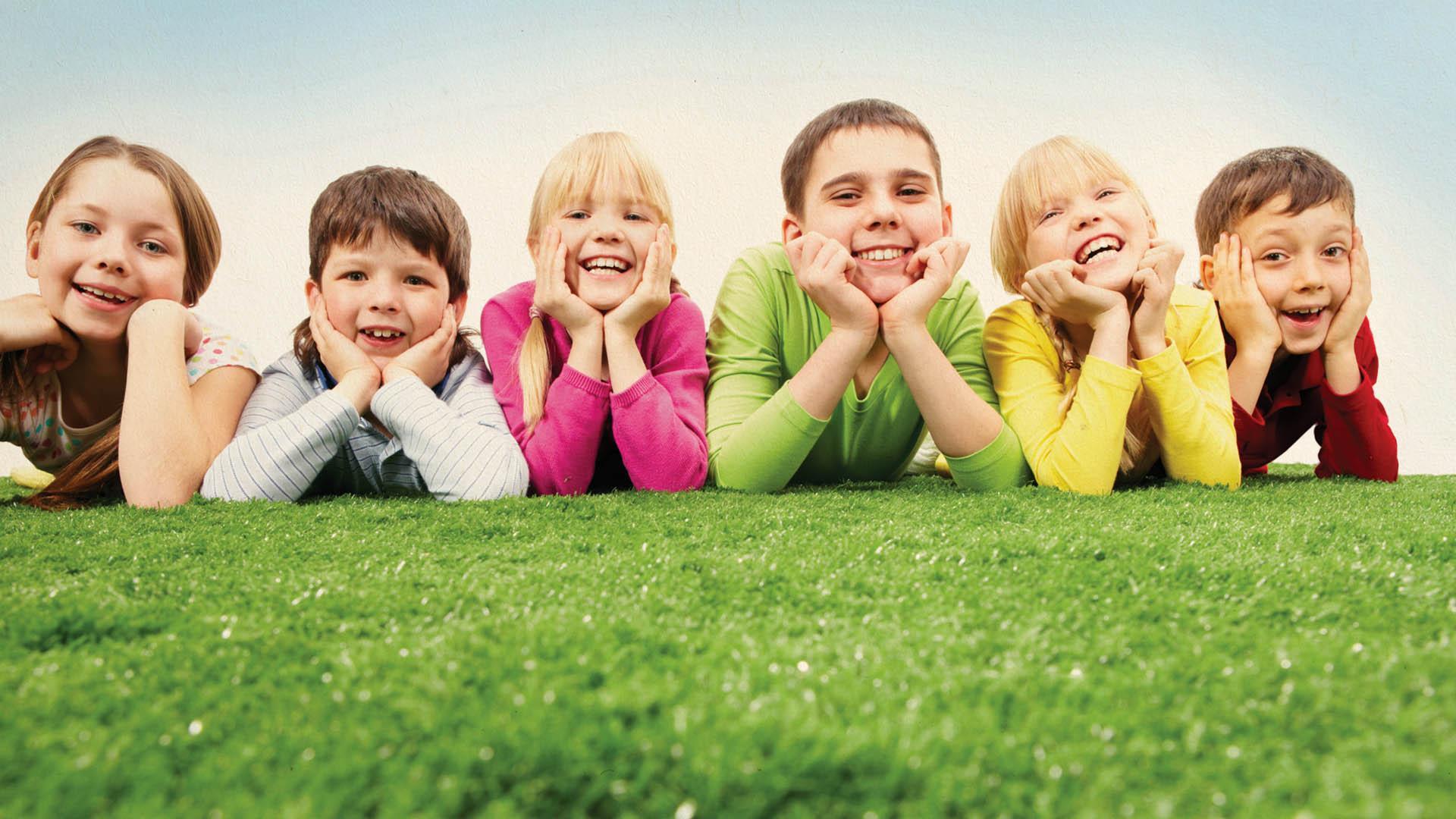 نقش جامعه در القای کلیشه های جنسیتی در تربیت کودک