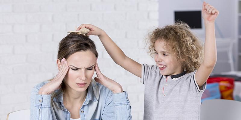 چگونه باید با کودک بیش فعال رفتار کرد