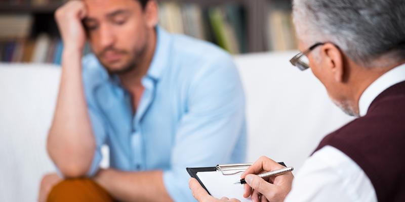 چه زمانی باید از یک مشاور روانشناس کمک بگیریم