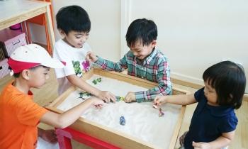 بازی درمانی کودکان بیش فعال
